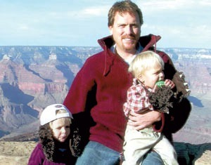 Mark Hummels with his children at the Grand Canyon