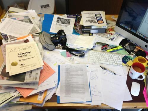 He calls that messy? A submission from @jwswrites of his messy desk (on http://spjdesklove.tumblr.com/).