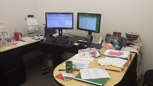 lawyers at desk - photo #25