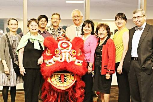 Spot the lawyer: I also got the oportunity to pose with Asian community leaders and a talented Chinese dragon.