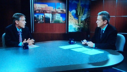 Arizona Chief Justice Scott Bales, left, speaks with Horizon host Ted Simons, July 9, 2014.