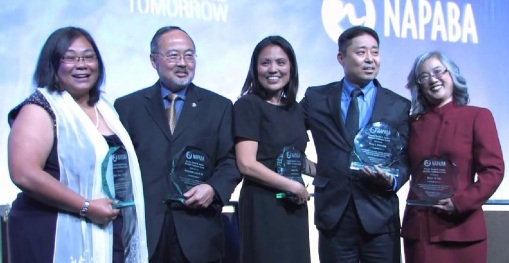 Marian Yim (far right) was one of the honorees to receive the national Trailblazers Award at the annual NAPABA Convention, November 2014.