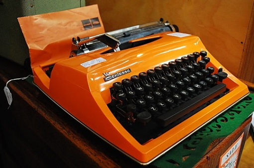 A Contessa never looked so sweet (or clacked so loudly). typewriter