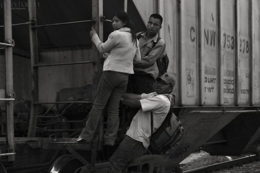 Central American migrants in southern Mexico, 2008 (Photo: Peter Haden, Wikimedia Commons).
