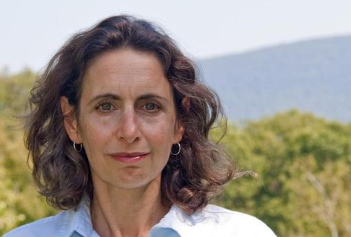 Pulitzer-prize winning author and journalist Elizabeth Kolbert will speak at two Valley events this week on the topic of climate change. (photo by Nicholas Whitman)