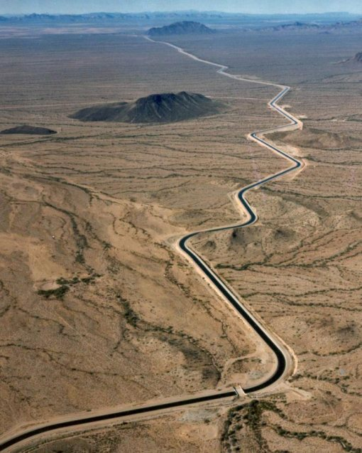 Winding canal of the Central Arizona Project (Wikimedia Commons)